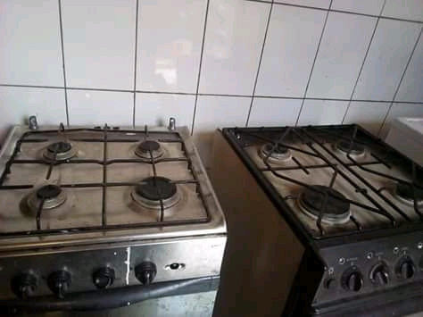 Cuisiniers a vendre